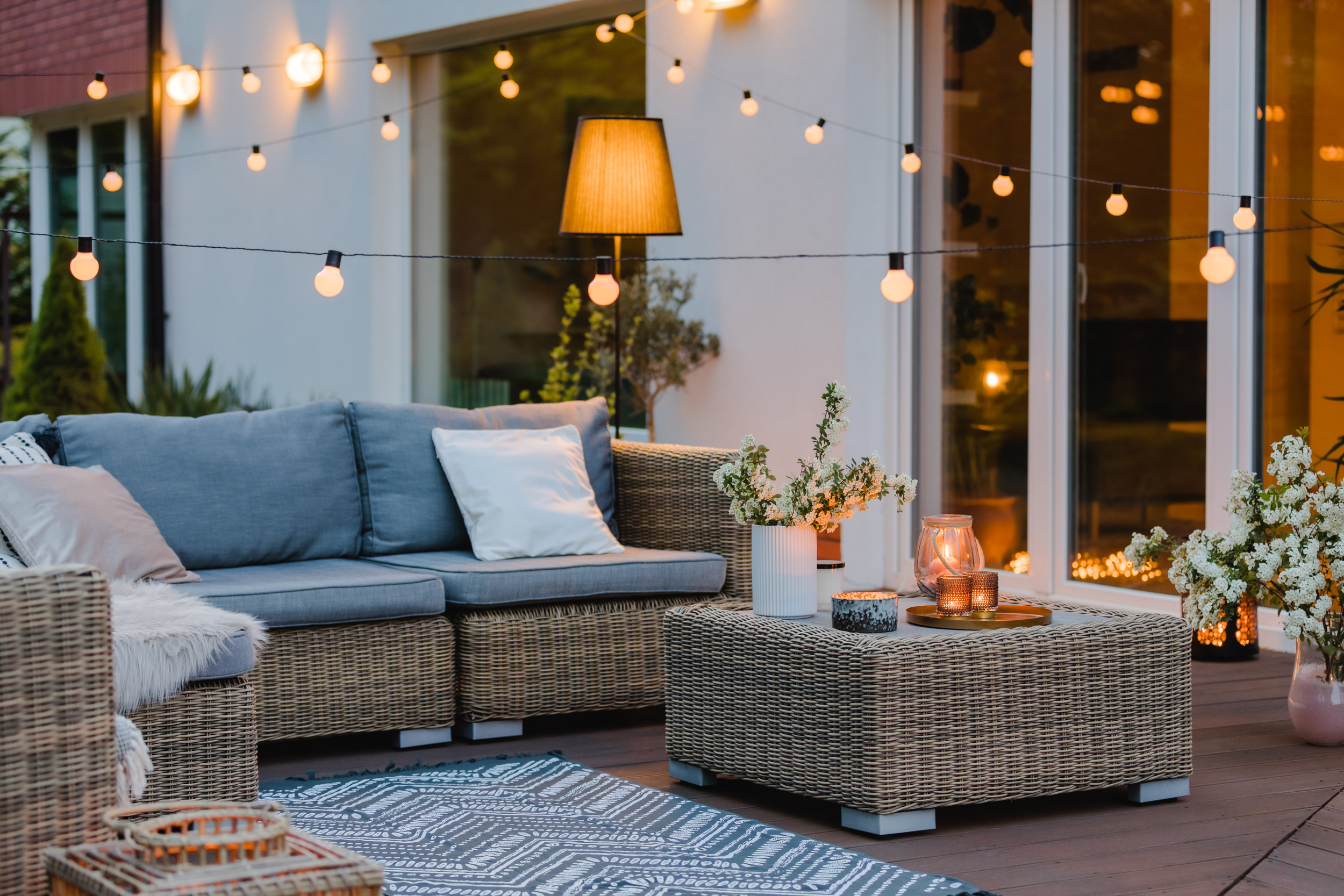 outdoor lighting installation by Kelly Electric
